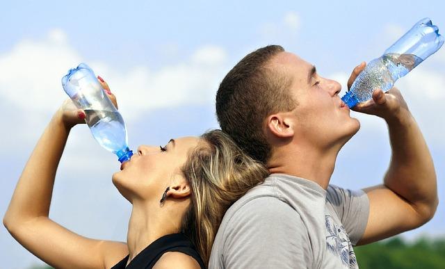 Správny čas na pitie vody – úspech zdravia