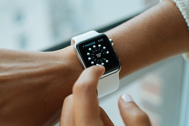 5 spôsobov, ako inteligentné hodinky môžu pomôcť vašej firme